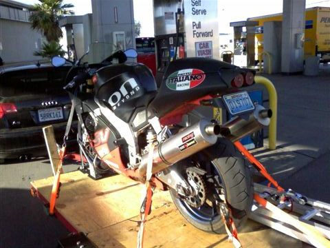 ./photos/Moto_Pics/aprilia_1_small.jpg